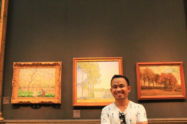 Monet, Monet and Van Vogh. Van Vogh is almost always yellow.